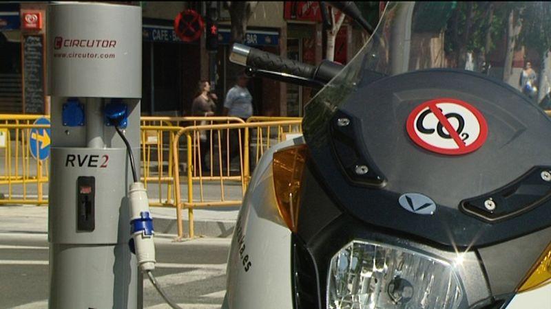 Las mayoría de motos eléctricas tienen una autonomía de hasta 50 km