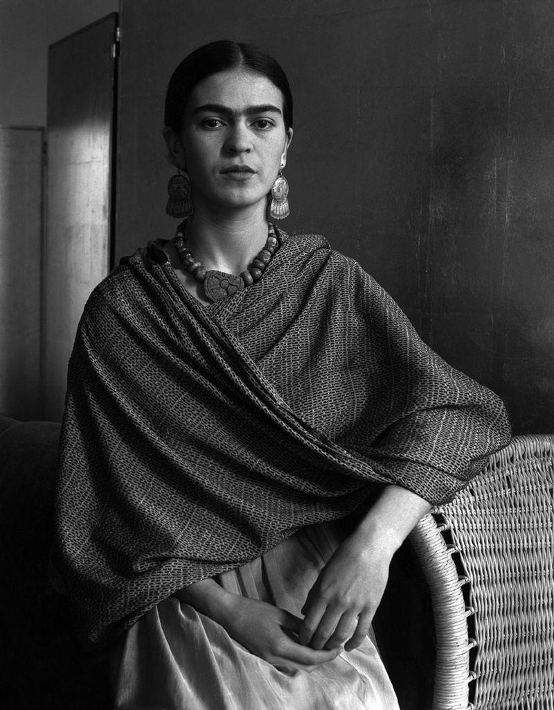 [Frida Kahlo, 1931 - Foto: Imogen Cunningham]