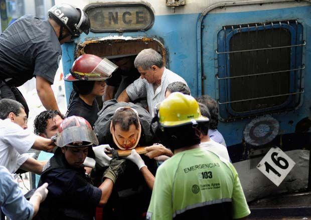 Estacion-Once-Buenos-Aires-Foto-Reuters-Argentina-accidente-tren_ECMIMA20120222_0018_4