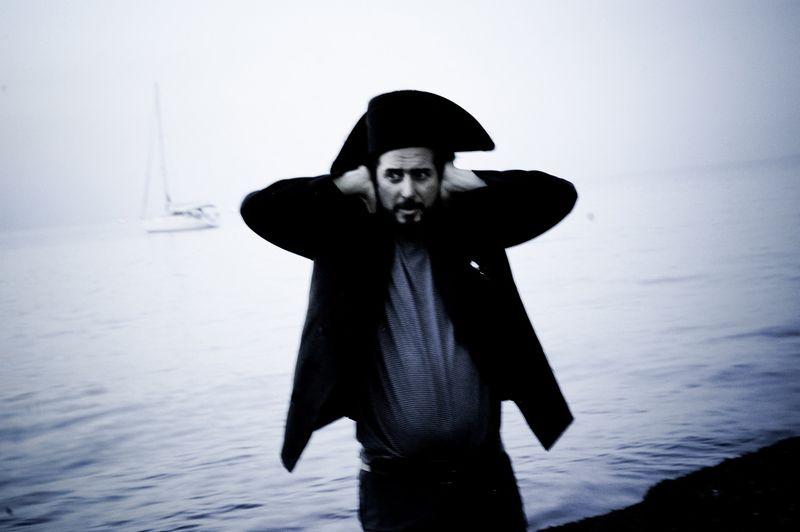 Vinicio-capossela-marinai-profeti-balene-b