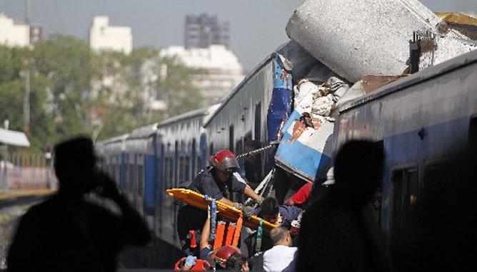 Choque-trenes-estacion-Buenos-Aires-ha-causado-numerosas-victimas