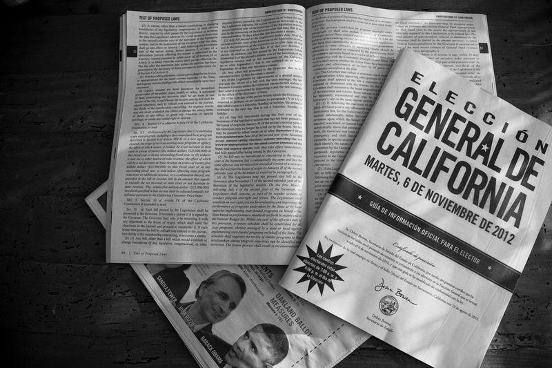 [Guía de información para el elector [Foto: Jose Ángel González]