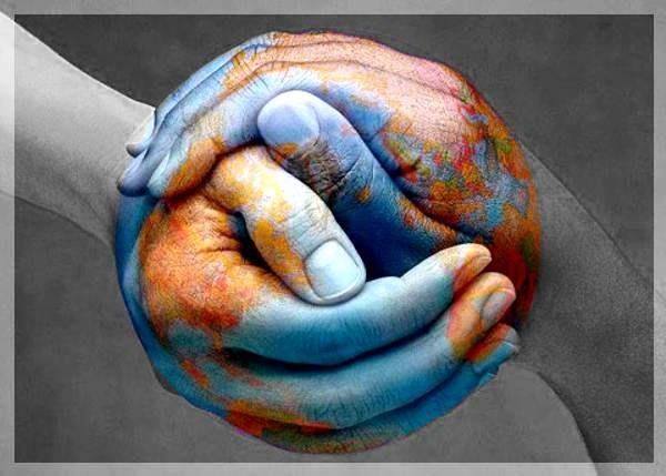 UBUNTU manos unidas azul planeta tierra