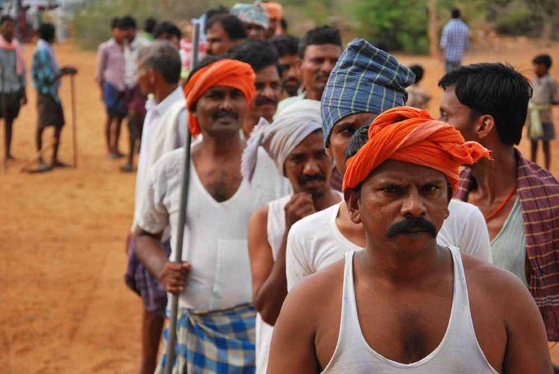 Cientos de extras indios han participado como extras en el rodaje de la película/ E. Garrido