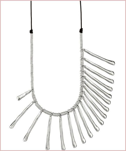 Collar-asimétrico-de-Eugenia-Silva-para-Uno-de-50