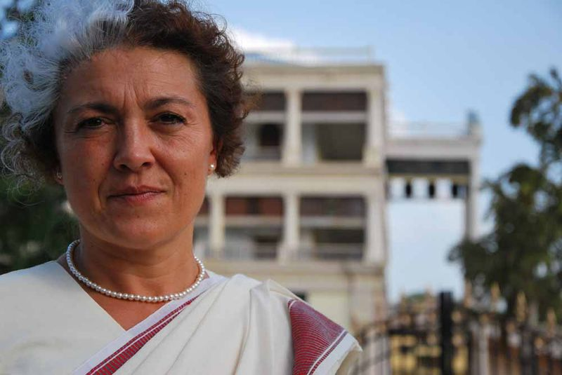 Susana Sánchez, maquilladora de la TV movie sobre Vicente Ferrer, caracterizada como Indira Gandhi en Ramoji Film City/ R.Ovalle