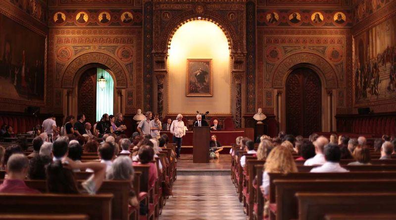 La Universidad de Barcelona fue el lugar donde se puso el broche final al rodaje de la TV movie
