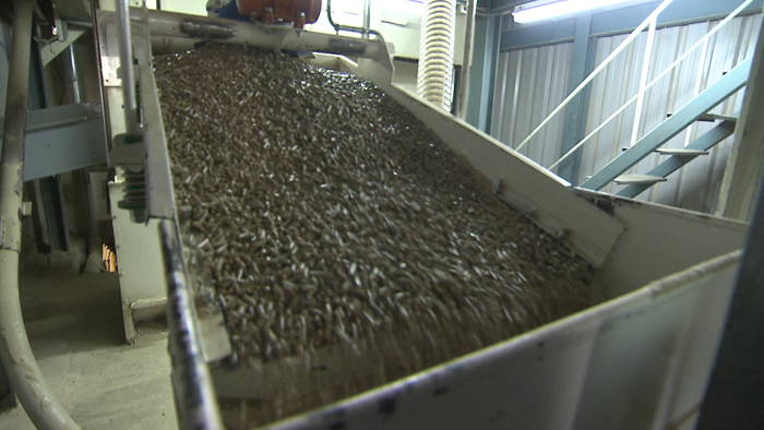 El pellet es madera prensada preparada para estufas