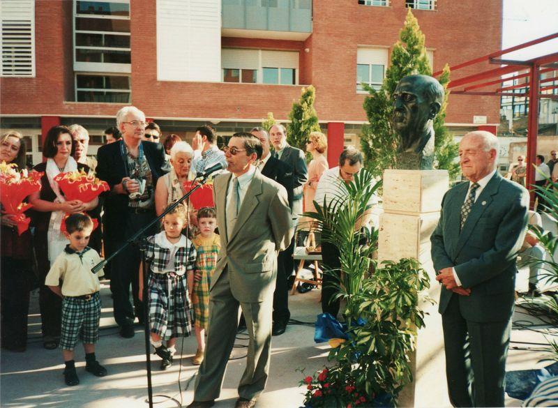 1999 19 juny Adolf Ventas i alcalde d'Amposta inaguren plaça amb el seu nom a AmpostaBLOG