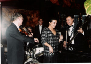 1990's AMB ELS MځSICS DE MAXIM'S PAŔS BLOG