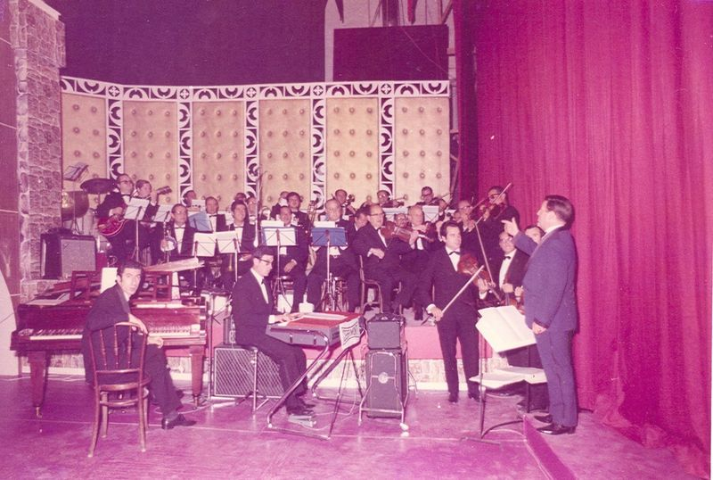1960's Adolf Ventas dirigint l'orquestra de TVE