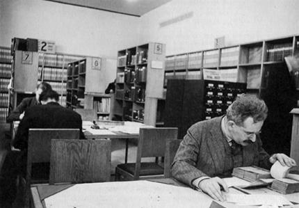 Walter-benjamin-library1