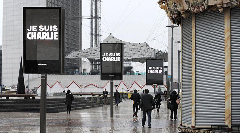Paris-hebdo-signs_3158244k