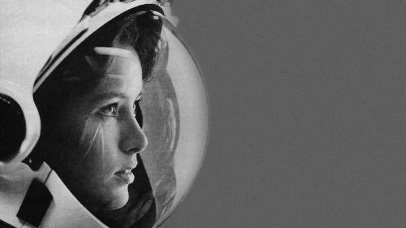 Anna Lee Fisher, 1985 - Life Magazine  Anna is a chemist and a NASA