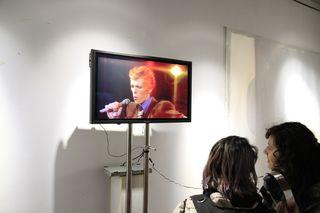 Visionando a Bowie en Exposición Inestabilidad y Metamorfosis