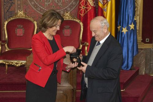 Arzoz recibe medalla Navarra
