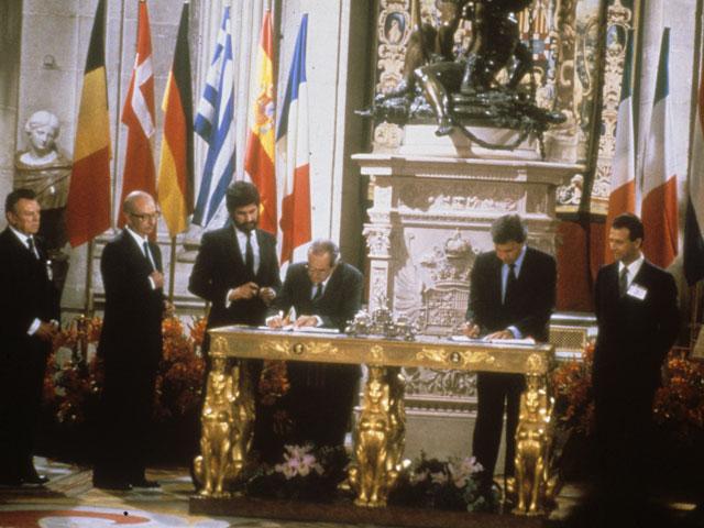 Firma Tratado Adhesión España