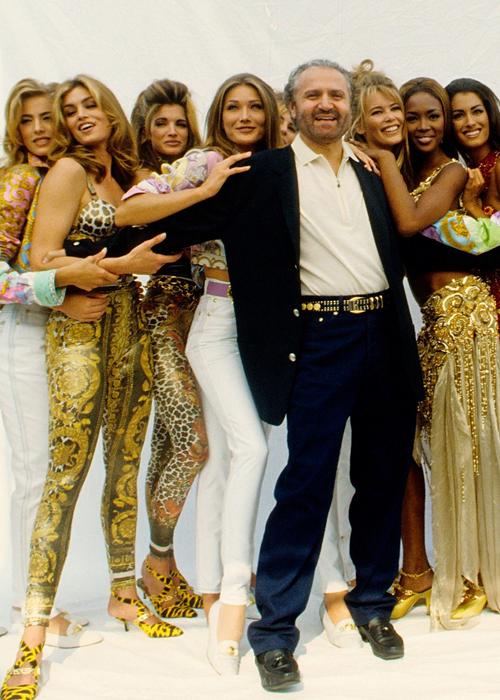 Gianni-Versace-en-el-Olimpo,-con-sus-diosas