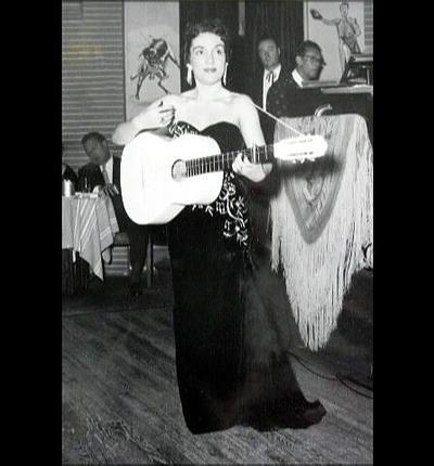 Gloria Lasso a Puerta del sol