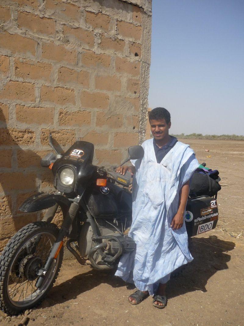 Mauritanian guy [1600x1200]