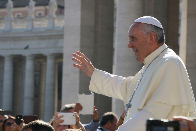 1_Franziskus_Papst_der_Armen