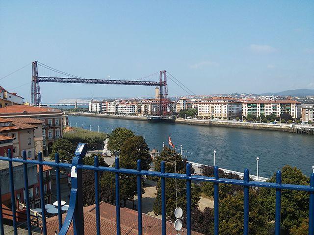 Puente_de_Vizcaya_(Bizkaiko_Zubia)_desde_Portugalete Foto Wikipedia Gato Preto