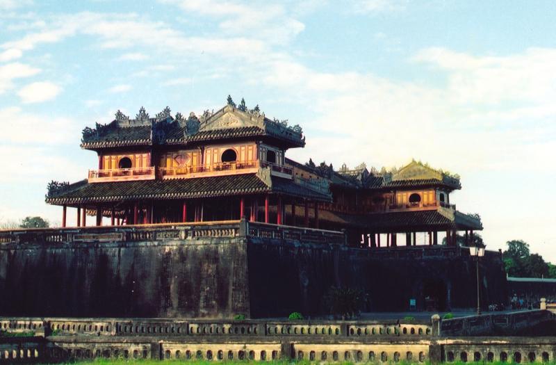 Hue capital 01Ministerio turismo Vietnam