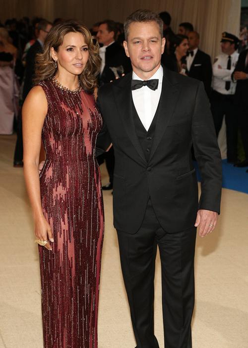 El-actor-estadounidense-Matt-Damon-(d)-y-su-esposa -la-argentina-Luciana-Barroso