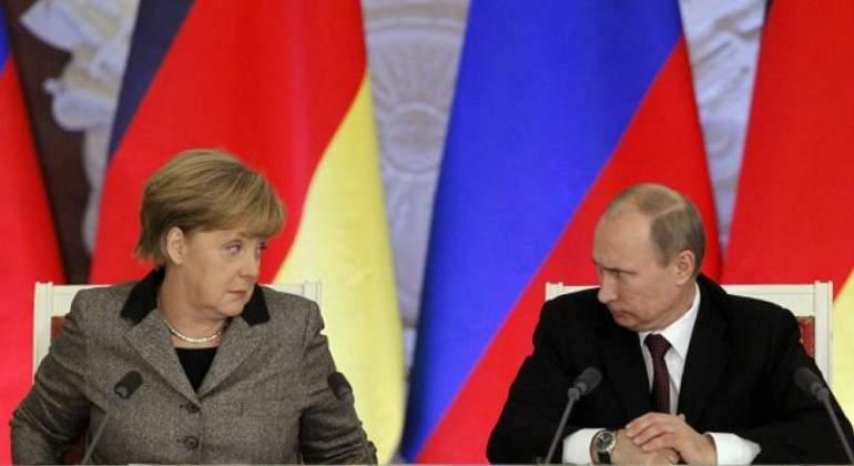 Putin-Merkel-Reuters-770