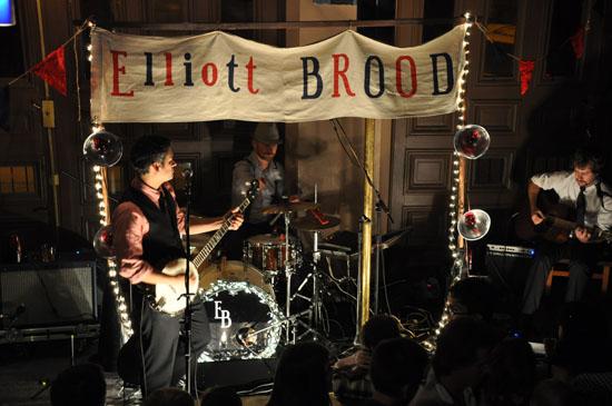 141018_elliott_brood