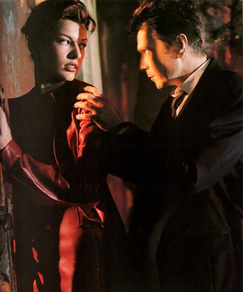 Milla-Jovovich-y-Gary-Olmand-en-una-campaña-de-2010