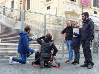 Al pie de la escalinata de la plaza de España