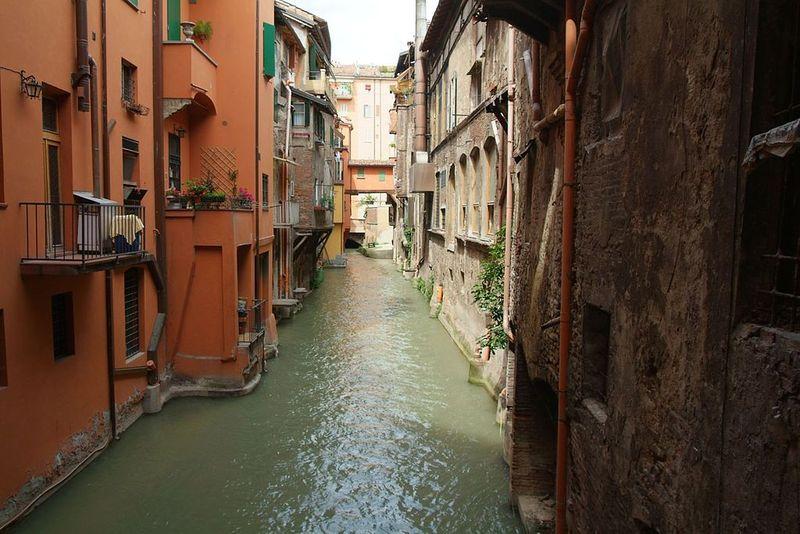 1024px-Bologna014 Foto Ilario - User Cassinam (Wikipedia)