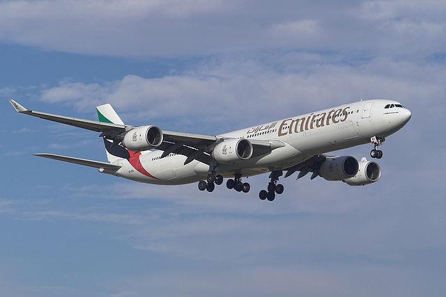 640px-Emirates_A345_A6-ERA Foto wikipedia Juergen Lehle