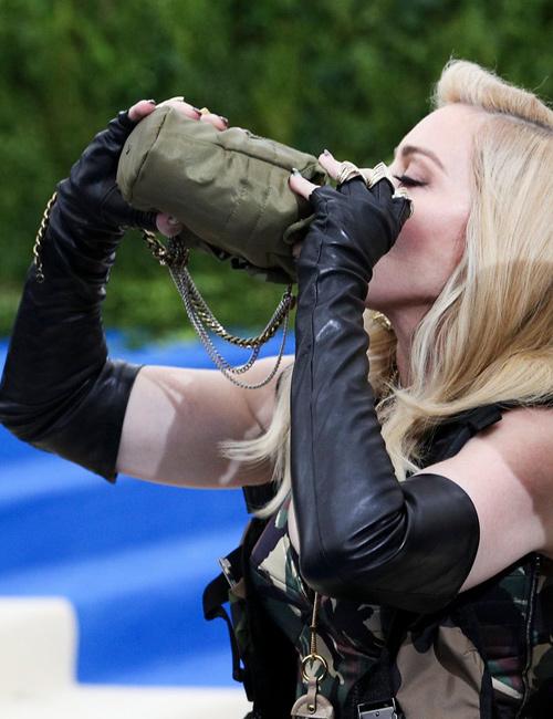Madonna-bebe-de-la-cantimplora