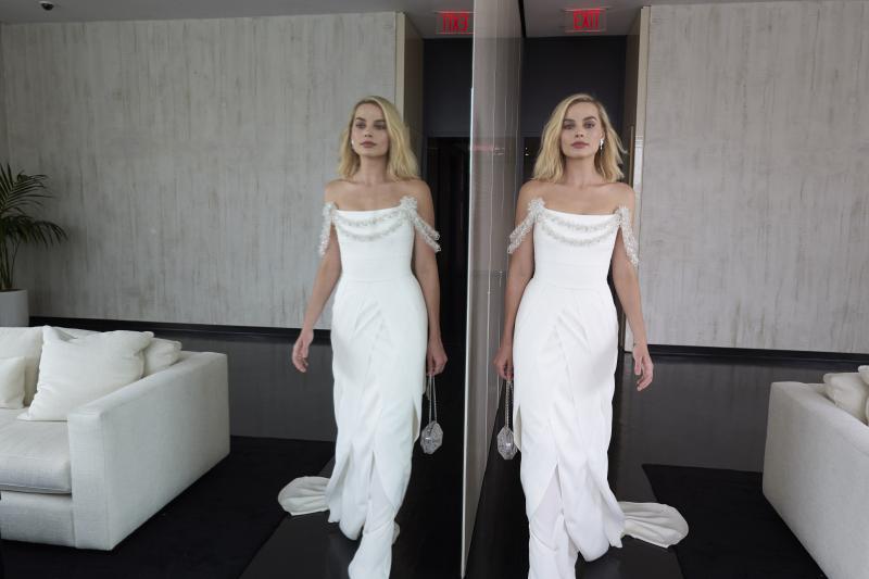Margot lista para ir a los Oscar con su vestido de Chanel