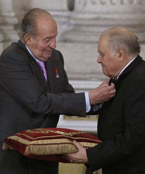 Don-Juan-Carlos-con-Enrique-Iglesias,-ex-secretario-general-para-Iberoamércia.