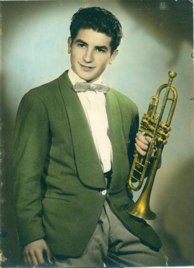 Gabriel Martínez trompeta foto color estudi BLOG
