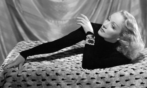 Marlene-Dietrich,-Vogue-Francia