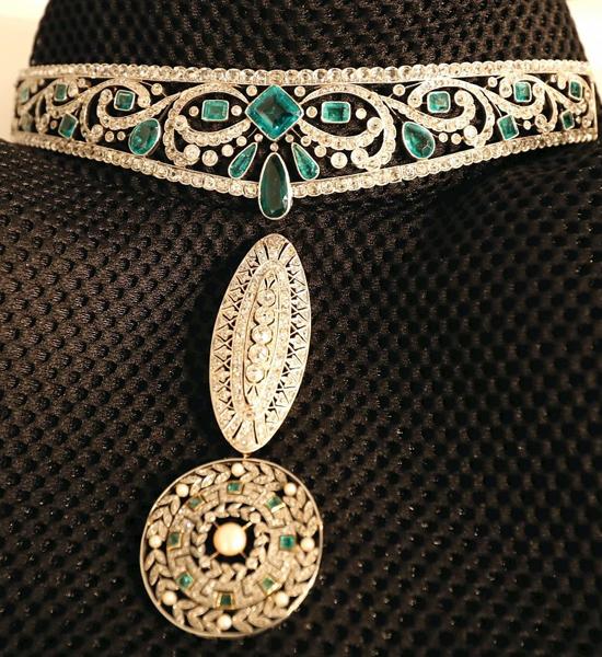 Tiara-de-esmeraldas,-platino-y-brillantes-de-Bárcena