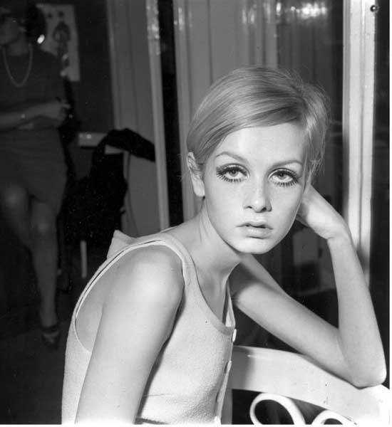 1966-Twiggy-es-nombrada-El-rostro-del-66