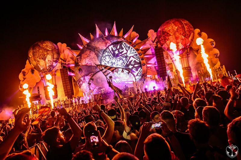 2015-07-23_00-04-32_svg_Foto Tomorrowland