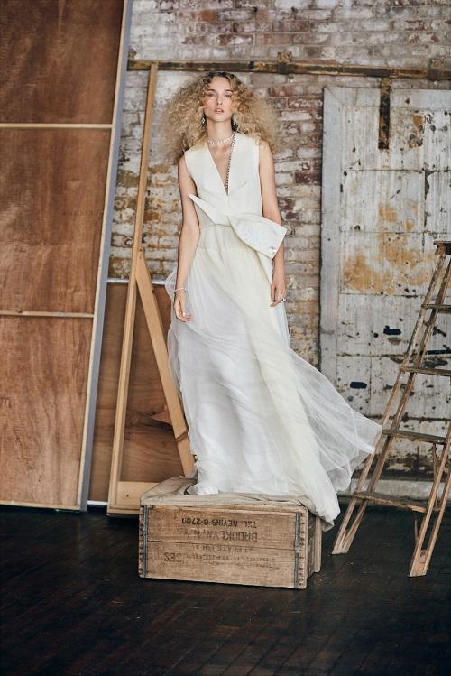 la casa espaola delpozo ha diseado un vestido de novia en exclusiva para moda operandi que presenta una coleccin capsula de once vestidos de novia nicos