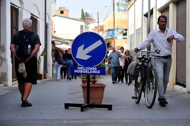 Peatones en calle Ledra de Nicosia_Foto EFE