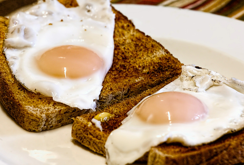 Fried-eggs-456351_1920
