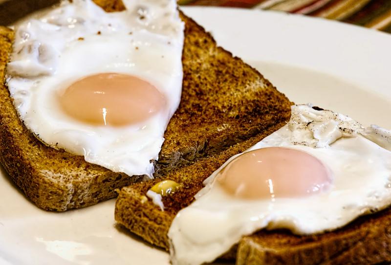 Fried-eggs-456351_1920