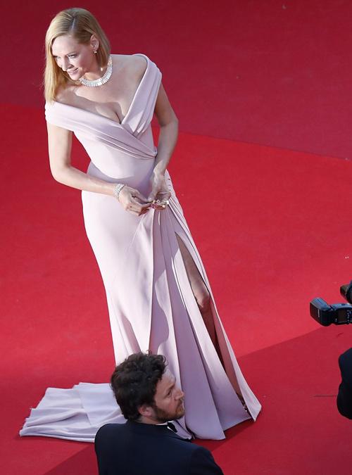 Uma-Thurman-con-diseño-de-Versace