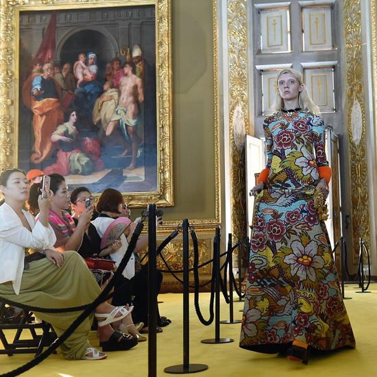 Vestido-de-noche-de-Gucci -colección-crucero-2018