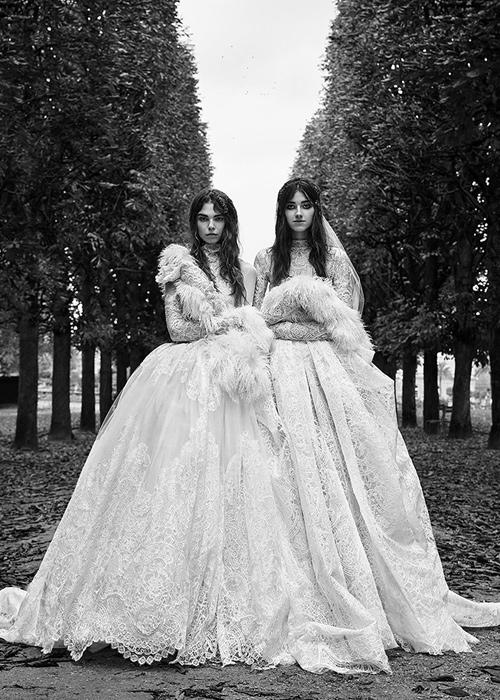 Dos-novias-vestidas-por-Vera-Wang.