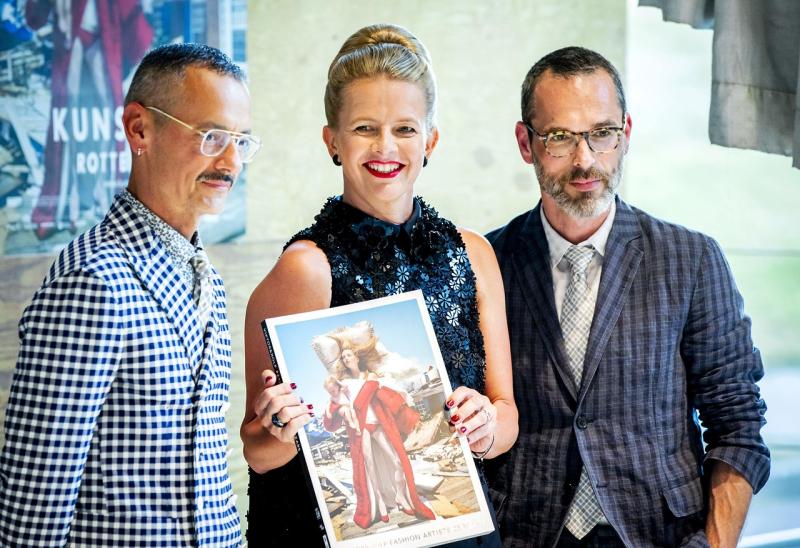 Los diseñadores con la princesa Mabel